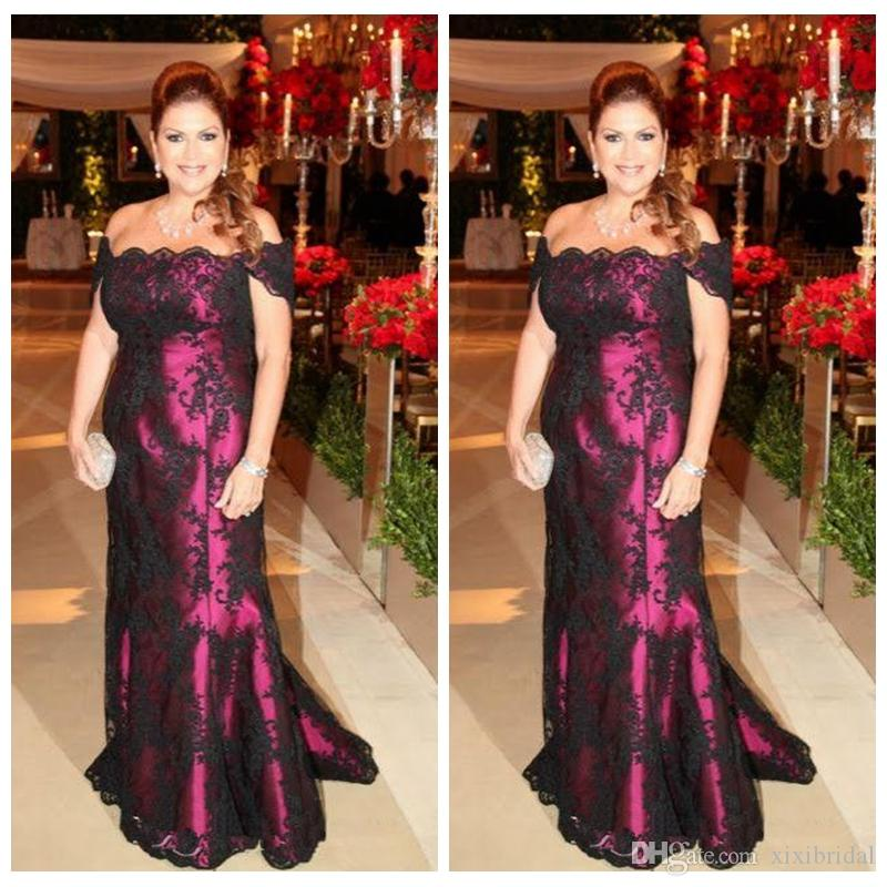 2017 Elegant Off The Shoulder Black Lace Mother Of The Bride Dresses Mermaid Long Evening Party Gowns Wedding Guests Dress Plus Size