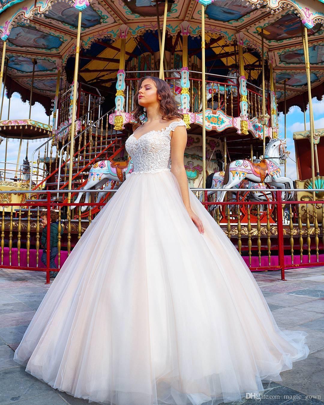 2019 Chegada Nova Lace vestido de baile vestidos de casamento Sheer Pescoço da colher Trem Tribunal Applique Vestido de Noiva vestidos de noiva vestido de novia