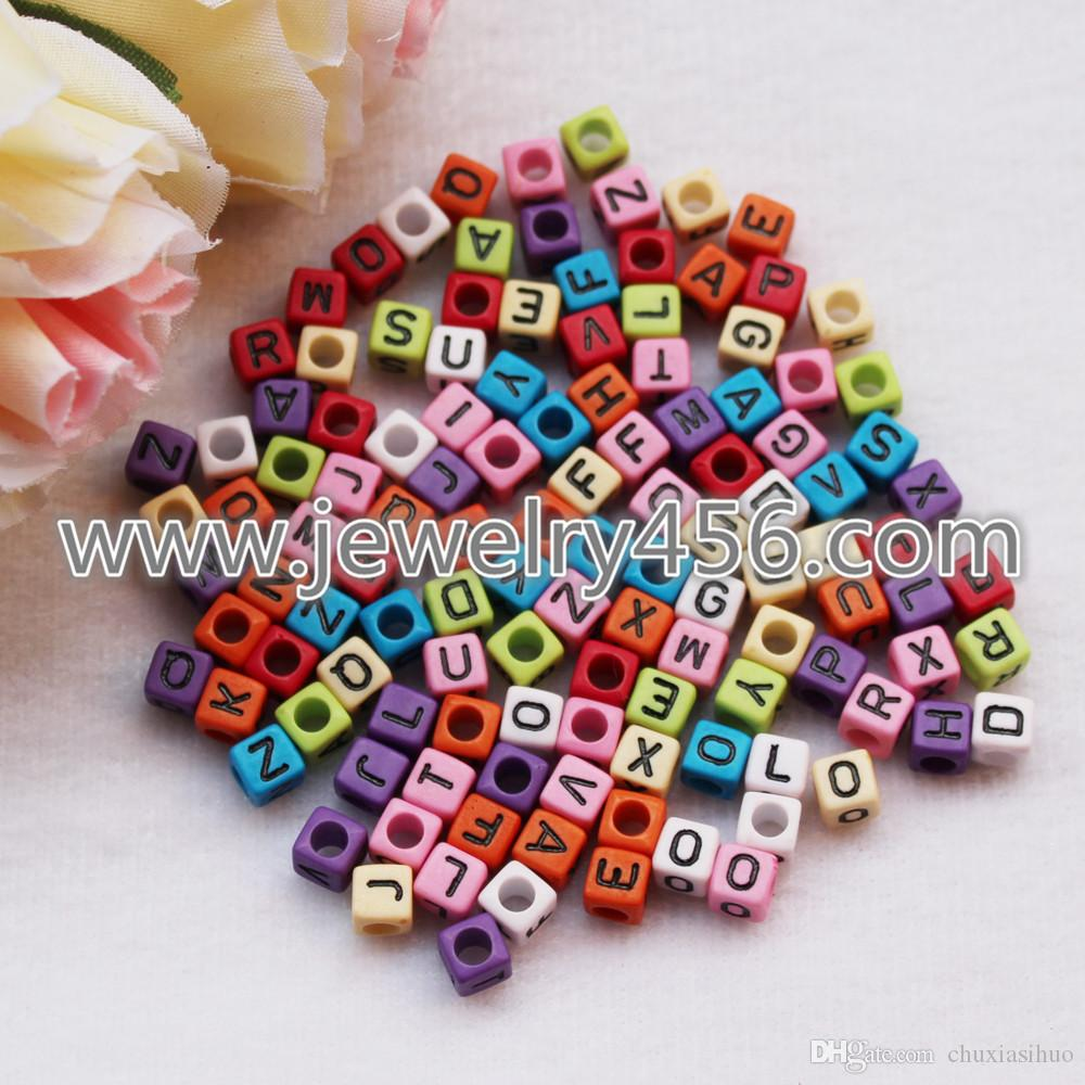 Braccialetto di vendita calda fascino di Nacklace 500pcs 6MM colori misti acrilico plastica opaco cubi quadrati lettera singola alfabeto perline