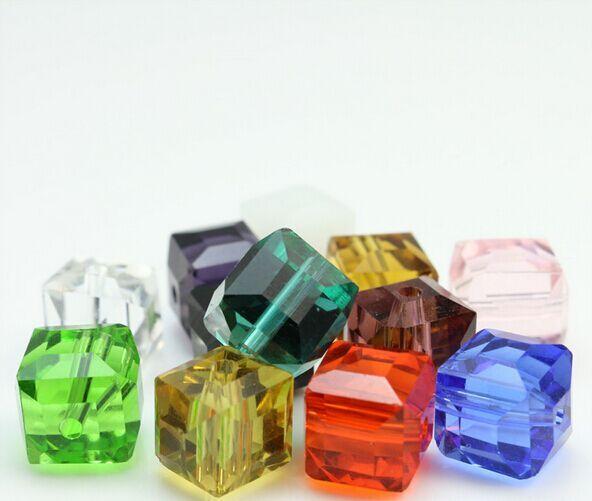 500 قطعة / الوحدة مختلطة الأوجه suqare كريستال الزجاج فضفاض الخرز فاصل سحر للمجوهرات صنع 4 ملليمتر 6 ملليمتر 8 ملليمتر