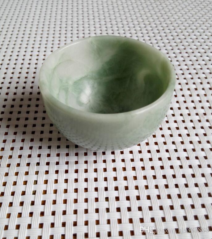 Una tazza di giada naturale guizhou con consegna gratuita B3