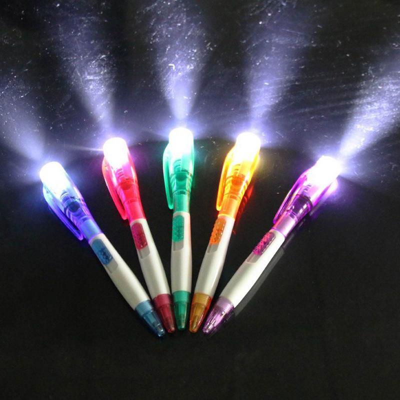 Nouveau stylo à bille lumineux exotique papeterie belle créative led lampe de poche multifonction lumineuse stylo gros cadeau cadeau