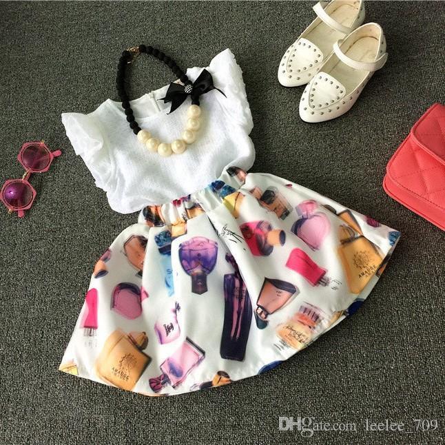 Crianças Da Criança do verão 2-7 T Meninas Roupas Roupas Sem Mangas T-shirt + Vestido de Saia Impressão Perfume Legal 2 PCS Set sem colar K7185