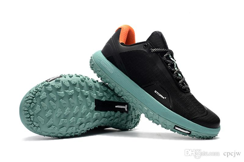 shoessneakers with thick rubber soles