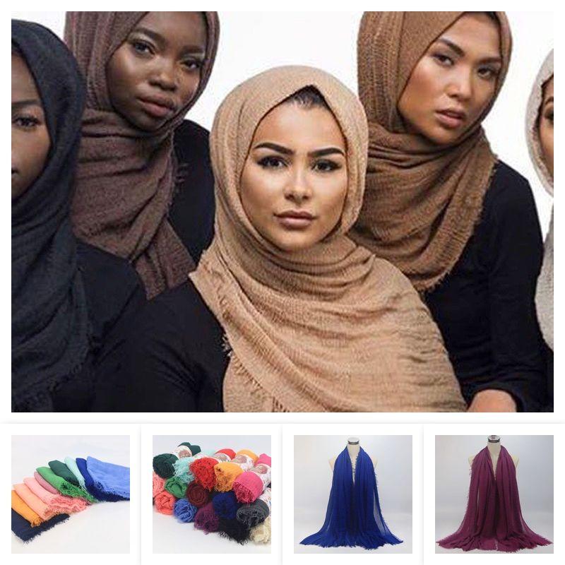 Reine Farbe Übergroße Baumwolle Leinenschals Islamische Kopf Wraps Weiche und lange muslimische Fransenkreppschal 56 Farben 95x180cm