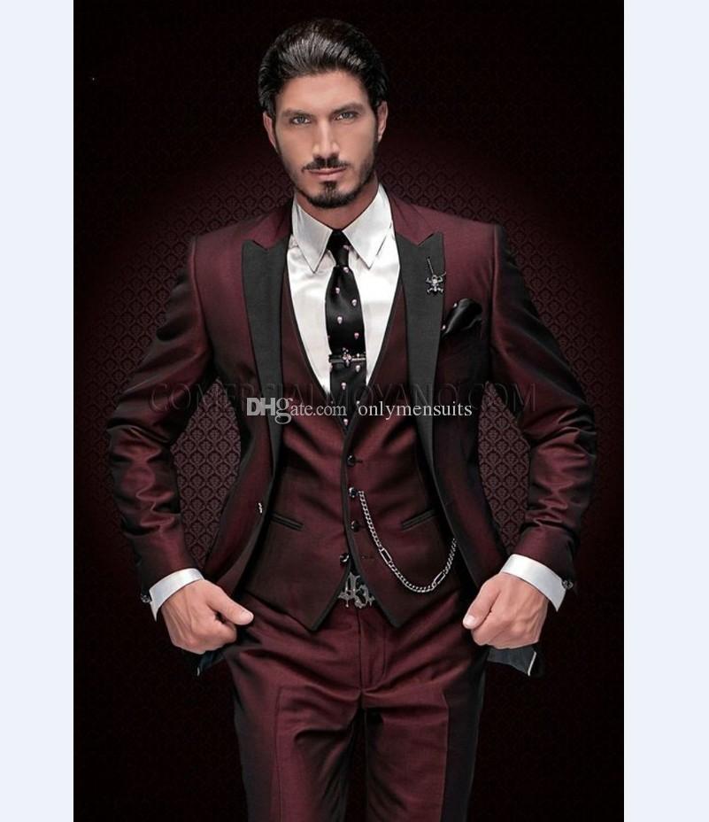 Сшитое Groomsmen Пик нагрудные Groom Tuxedos Бургундия Мужские костюмы Свадебные / Prom Best Man Blazer (куртка + жилет + брюки + Tie) O207
