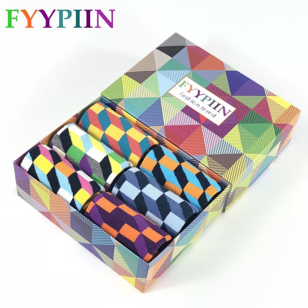 FyyPIIN 6 쌍 당선 선물 상자 참신한 남성 재미있는 양말 앵커 스타 빗질 면화 스케이트 보드 양말