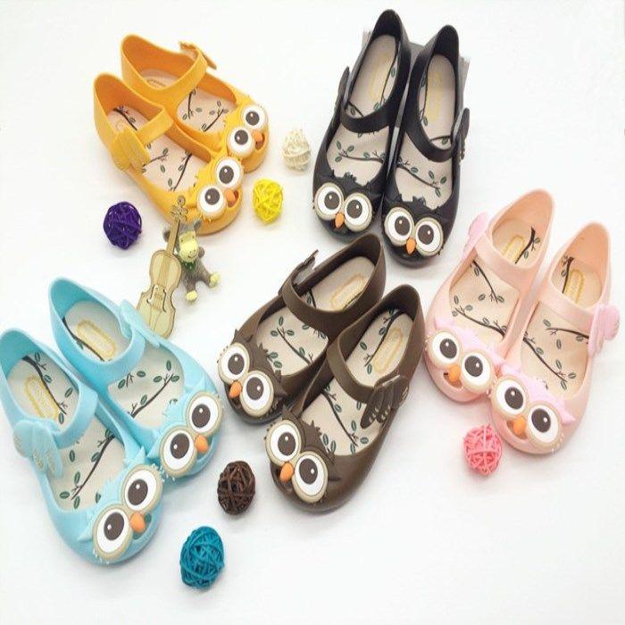 Hot Summer Flat Buckle Jelly Fish Bocca Bambini Girl Owl Sandali per bambini Hole Beach Shoes 4 colori