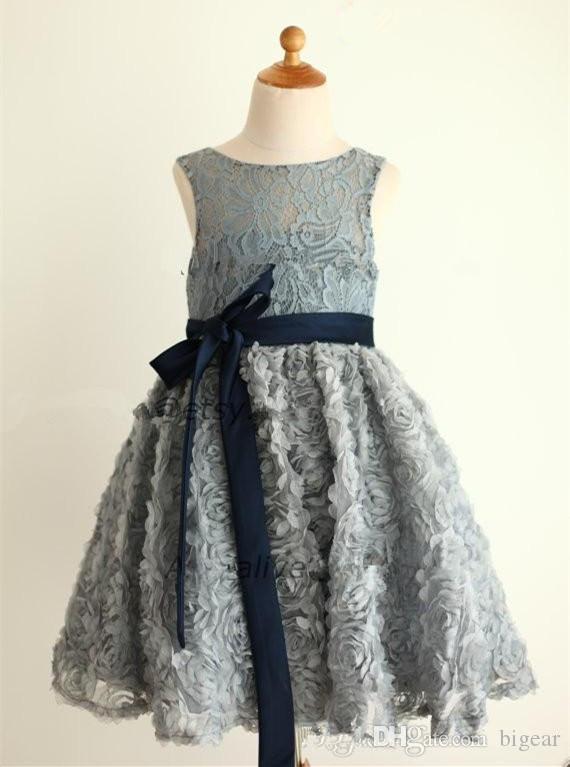 Robe de fille de fleur de corsage en dentelle gris argenté avec jupe rose Robe de fête de fille en sash bleu marine