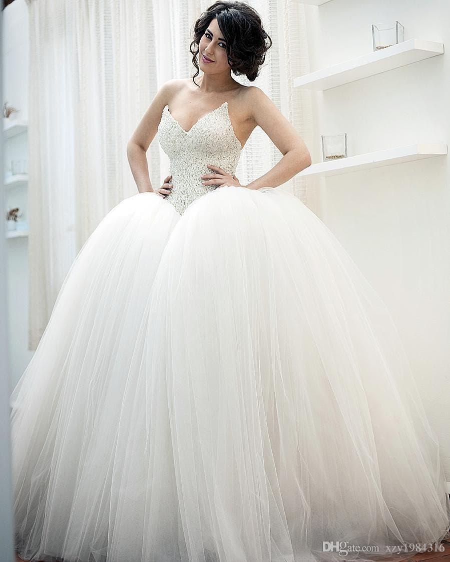 Fashion Fluffy M Style Wedding Dresses Sparkly Crystal Beads V ...