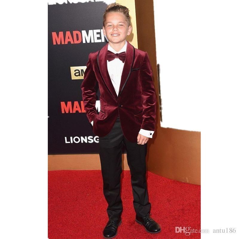 Nueva moda Burgundy Velvet Boy Formal Wear Hermoso niño Kid Attire Wedding Blazer fiesta de cumpleaños traje de fiesta (chaqueta + pantalones + corbata + chaleco) 21