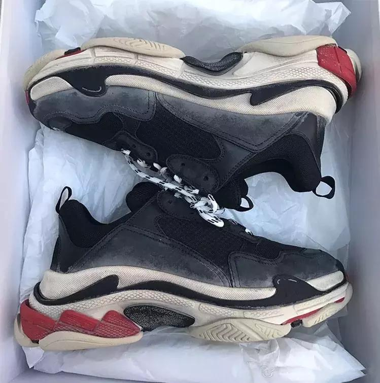 Paris 17FW Triple-S calçados casuais Dad Shoe Triple S Sneakers para as Mulheres Homens revela Trainers Lazer retro velho vovô Training