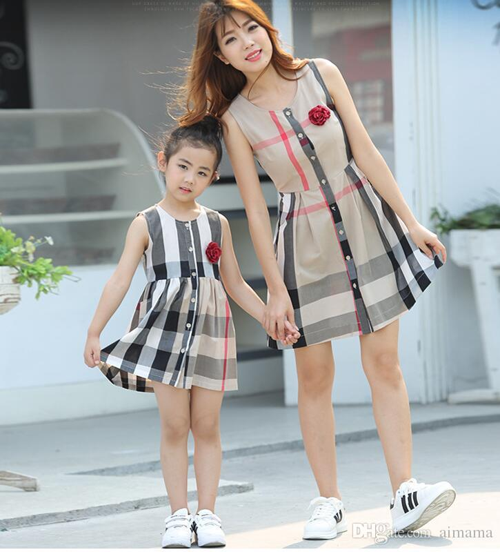 Mom and daughter dresses 2018 family matching clothes mommy and kids girl clothes plaid Girls flower outfits mother daughter dress