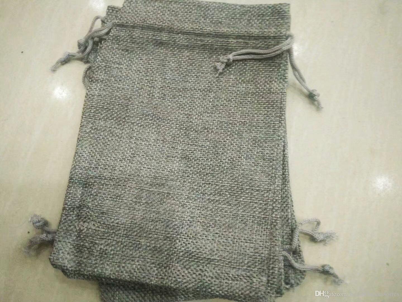 Gris 7x9cm 9x12cm Mini bolsa de jute bolsa de lino de lino de la joyería del cáñamo bolsa bolsa de cordón para los favores de la boda, perlas