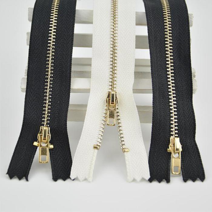 3 # الخياطة السوستة المعدنية السيارات قفل الذهبي مع أسود / أبيض البريدي ديي للخياطة الجينز والأحذية تنورة 10/15 / 20cm