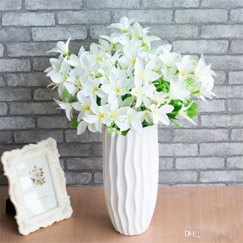 Fake Mini Lily Bunch (10 tallos / pieza) Lirios de simulación con Green Leaf para Wedding Home Escaparate de flores artificiales decorativas