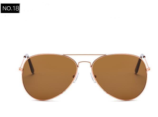 O novo 2018 clássico óculos de sol de membrana reversa óculos de sol por atacado cor deslumbrante óculos de sol maré restaurar antigas formas pessoas