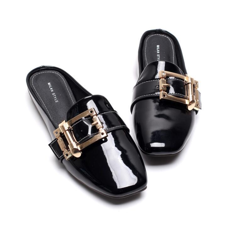 Nova mulher mulas sapatos sandálias de moda verão fivela de metal chinelos de design praça dedo do pé preto bege mulas