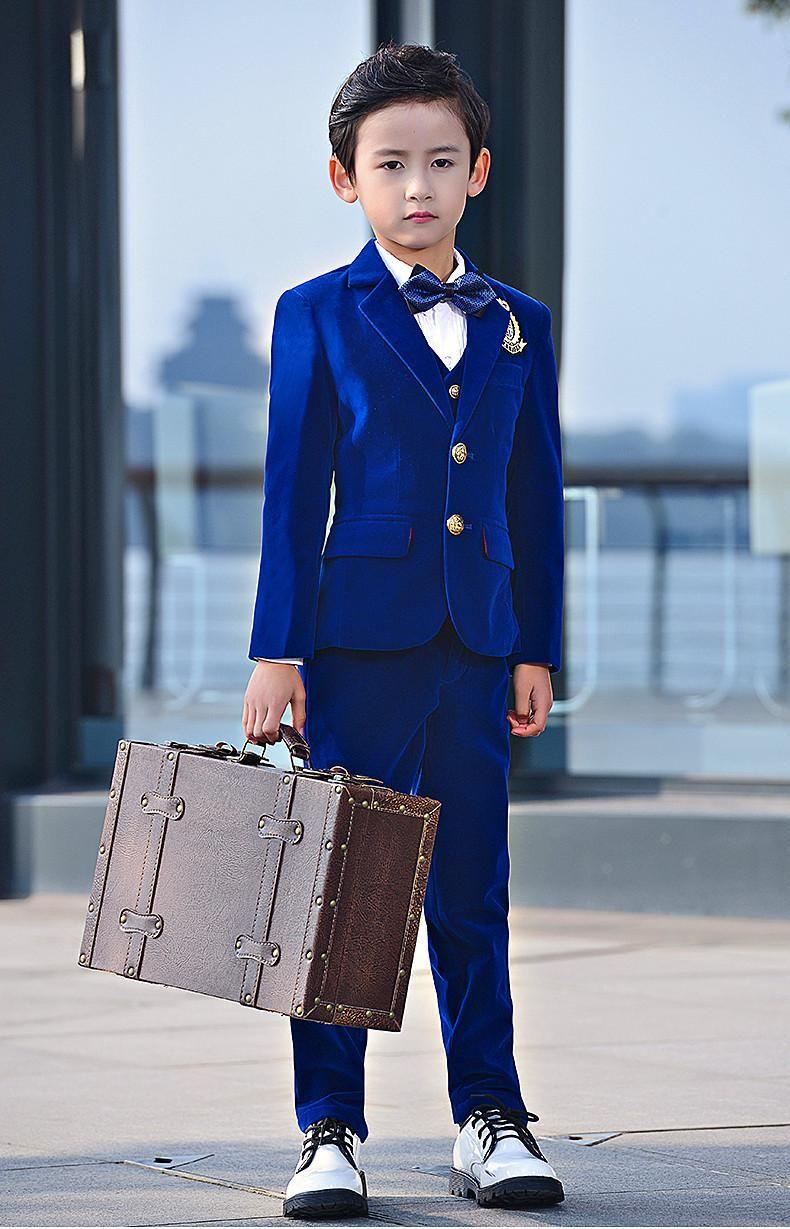 Nueva moda Blue Velvet Boy Formal Wear Hermoso niño Kid Attire Wedding Blazer fiesta de cumpleaños traje de fiesta (chaqueta + pantalones + corbata + chaleco) 24