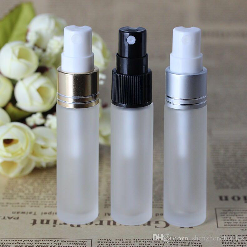 Freies Verschiffen 600Pcs / Lot 10 ml Glasduftstoff-Flaschen 1 / 3OZ Glass Sprühflaschen mit Gold-Schwarz-Silber-Caps für Ätherisches Öl