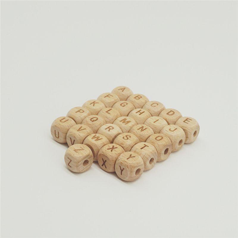 50 unids / lote 10mm 12mm Cuadrado Láser Talla Carta Granos de Madera bebé Dentición Granos de Madera de Haya Natural Para La Joyería que Hace el Arte de DIY