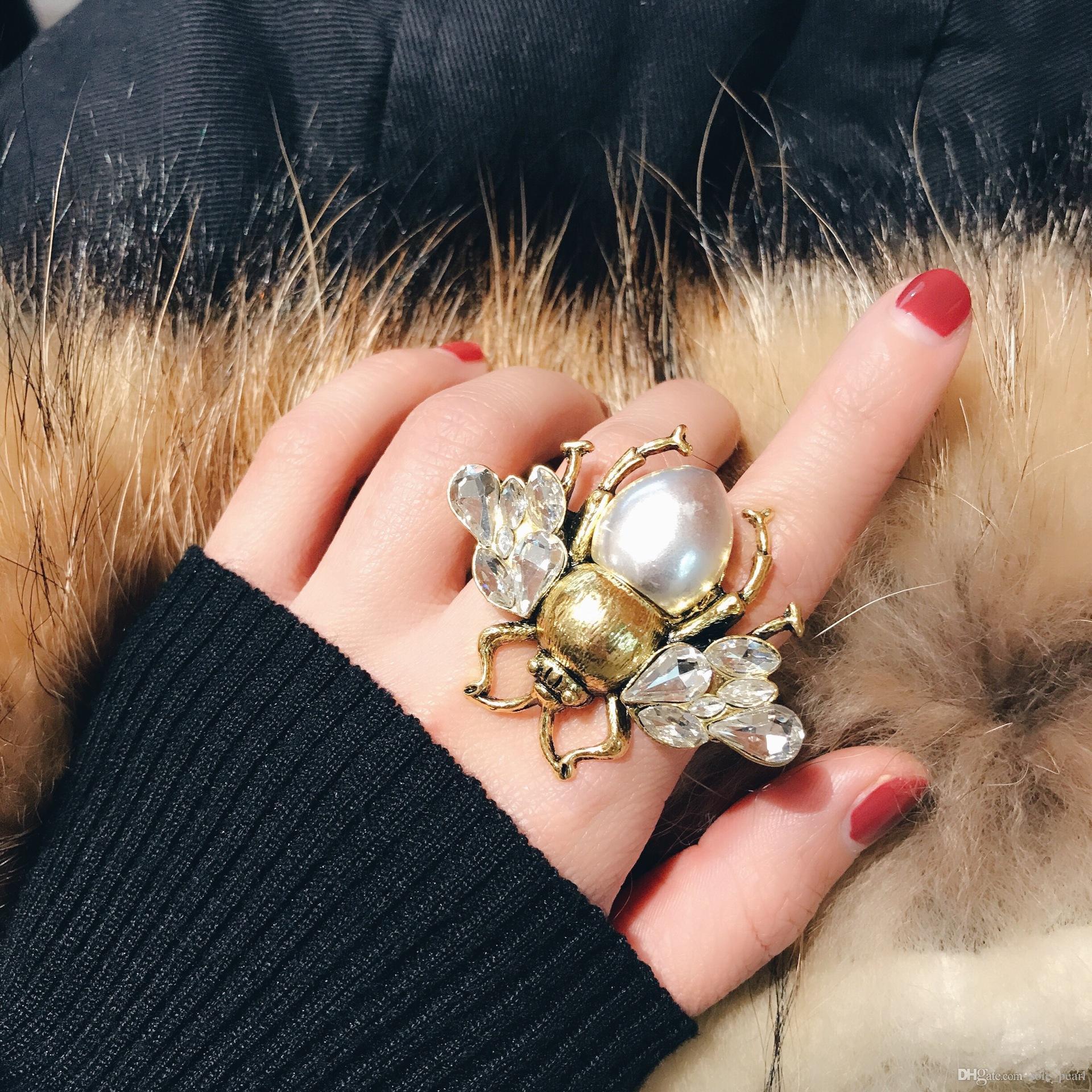 Vintage Pierścionki Biały Rhinestone Śliczne Pszczelarstwo Pierścienie Prestiżowe Posrebrzane Kobiety Pierścień Upscale Bohemia Typ Moda Biżuteria Imitacja Perły Pierścienie