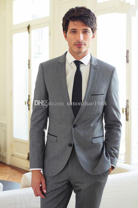 2018 Custom made Mens Grigio chiaro Abiti da lavoro Moda Abiti formali Vestito da uomo Set da uomo abiti da sposa sposo smoking (giacca + pantaloni + cravatta)