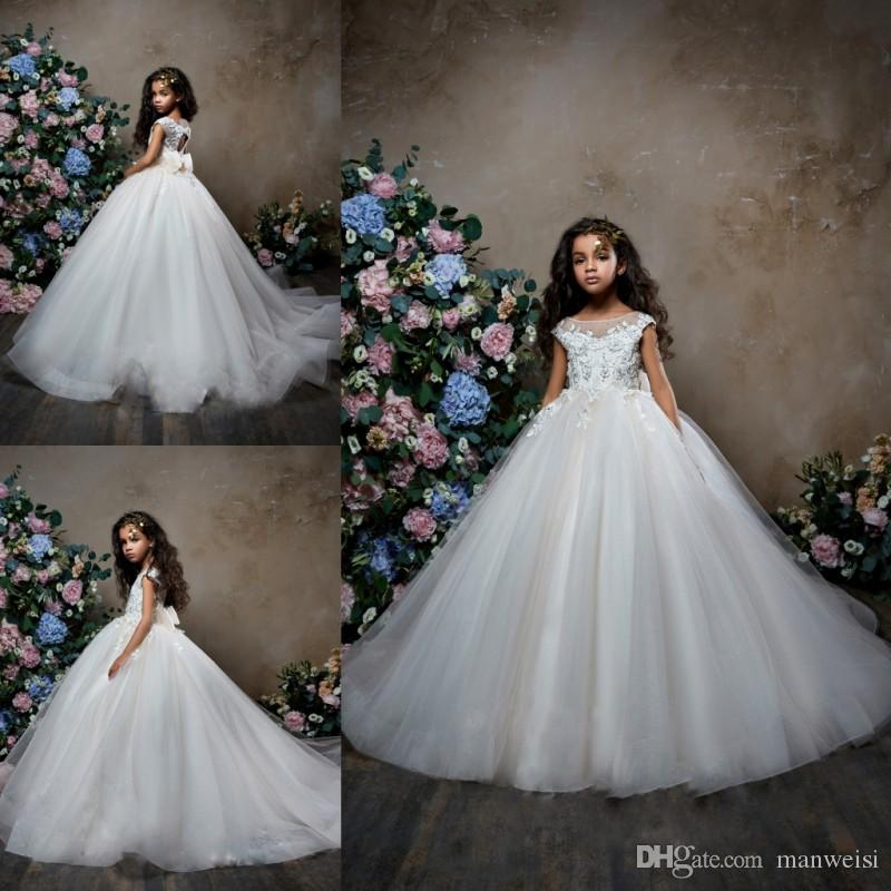 Pentelei 2019 Sparkly Flower Girl Dresses For Weddings Bow Beaded Lace Appliqued Little Kids Baby Gowns Cheap Sweep Train Communion Dress