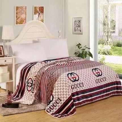 Главная кровать одеяло осень и зима моды письма облако ковер удобные мягкие кондиционер Одеяло диван-150 * 200 см