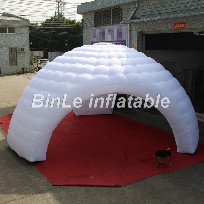 Barraca inflável inflável branca comercial personalizada grande abóbada inflável do partido do partido com 3 entradas e painéis