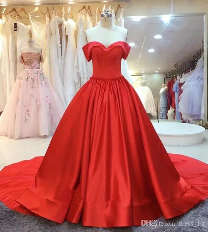 Modest 2018 vestidos de fiesta rojos largos baratos fuera del hombro satinado fruncido vestidos formales fiesta de noche desgaste por encargo de China EN2109