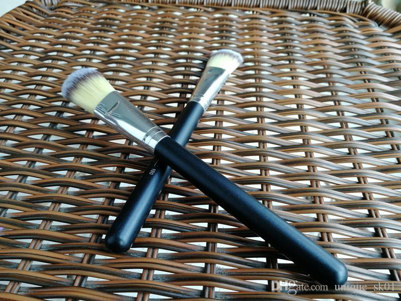 Vente chaude pinceaux de maquillage M190 brosse plate # 190 Fondation professionnelle blush pinceau poudre correcteur Contour pinceaux pour le visage manche en bois