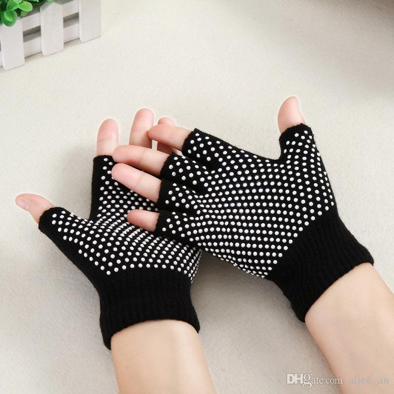 2018 Fashion Unisex Men Women Gym Anti Slip Fingerless Knitted Cotton Warm Gloves Grip Sticky For Sport Yoga Half Finger Gloves 5 Colors