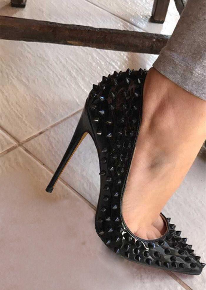 Nuevas mujeres fondo rojo Bombas punta estrecha 8cm 10cm 12cm tacones altos Diseñador de lujo negro remaches zapatos de novia de cuero genuino de la mujer