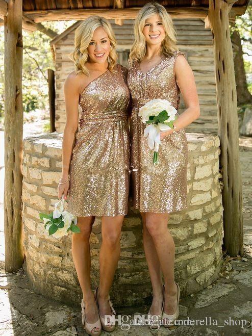 Champagne Paillettes courte Robes de mariée 2019 Country Beach gaine demoiselle d'honneur Invité de mariage Robes Custom Made pas cher