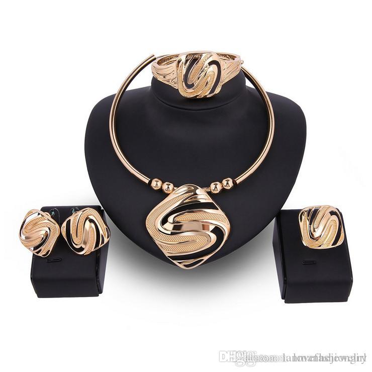 2018 New Arrival Wedding Jewelry Set Luxury Exaggerated 18K Gold Plated Geometric Alloy Necklace Earrings Ring Bracelet 4-Piece Set JS516