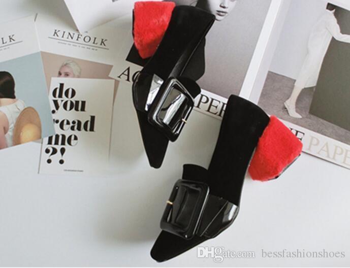 الكعوب السوداء الإناث الأحمر Shearling الفراء المخملية مشبك متعطل مضخات كعب المغطاة الفراء كعب مربع اصبع القدم الأحذية الجلدية براءات الاختراع