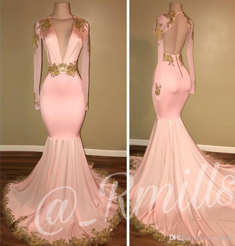 2018 Neue Sexy Open Back Pink Prom Kleider Meerjungfrau Tiefem V-ausschnitt Mit Langen Ärmeln Gold Appliques Sweep Zug Formale Abendkleider