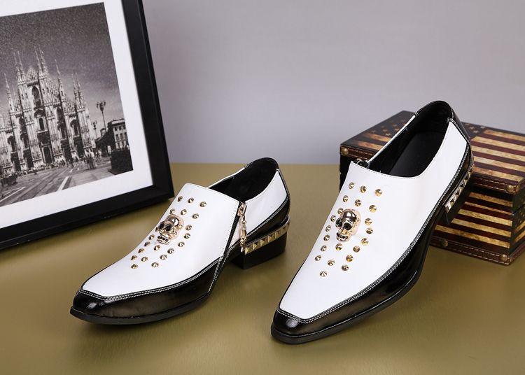 Black Skulls Rivets Men Dress Shoes Genuine Leather Flat Heel Men Shoes Formal Oxford leather Pointed Toe Wedding Shoes Man