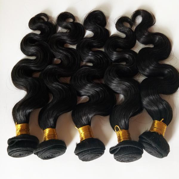 La cutícula completa no procesada alineó la virgen brasileña brasileña del pelo humano de la onda del cuerpo de la trama Extensiones de pelo remy indias de larga vida sin derramamiento