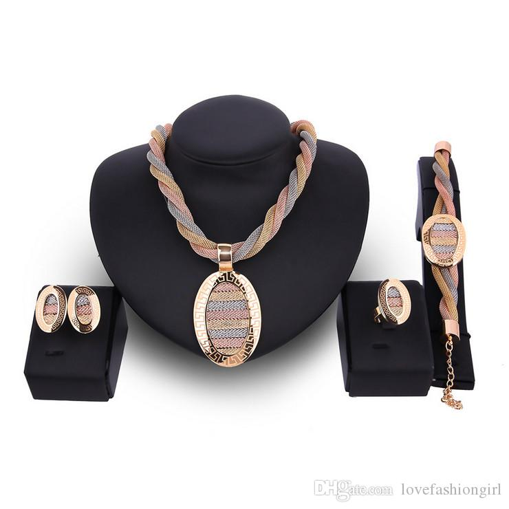 18K plaqué or 4 pièces ensemble bijoux luxe femmes exagérées collier boucles d'oreilles bague bracelet mariage bijoux ensemble en gros JS515