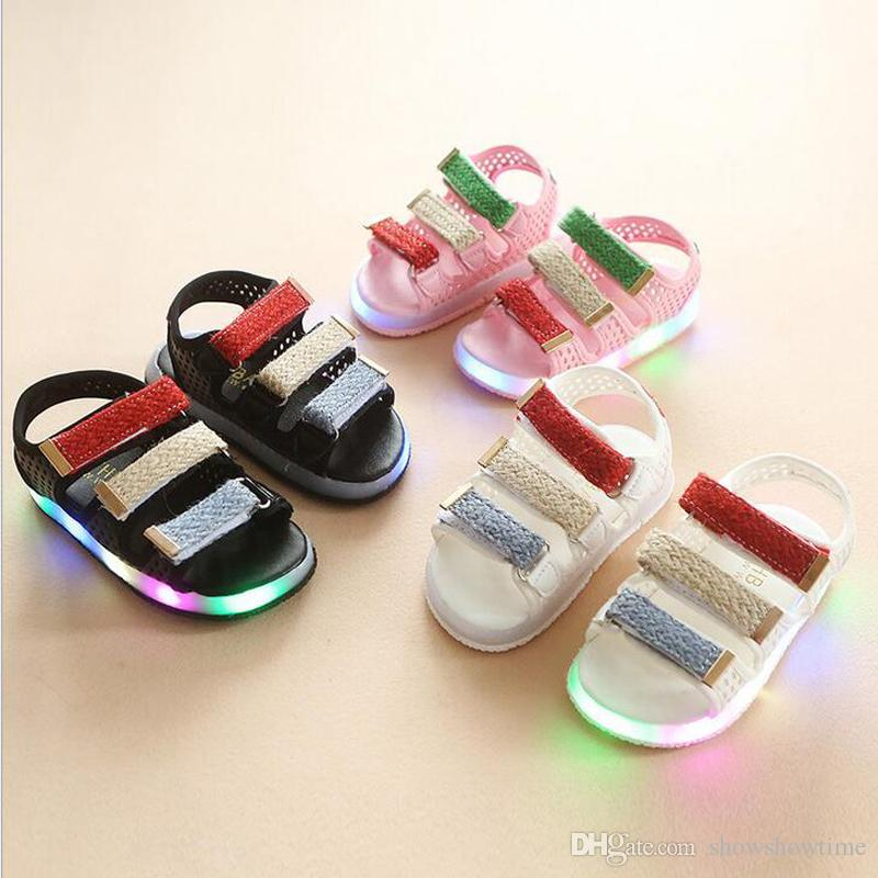China Wholesale 2018 Summer Kids Beach Shoes For Girls Boys Led Lights Up Flash Colorful Striped Rubber Sole Hook Loop 3 Colors Sandals