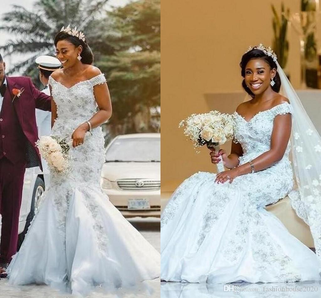 2018 caldo affascinante in rilievo sirena abiti da sposa abiti africana spalla pizzo appliques cristallo lungo ragazze nere da giardino abiti da giardino più taglia