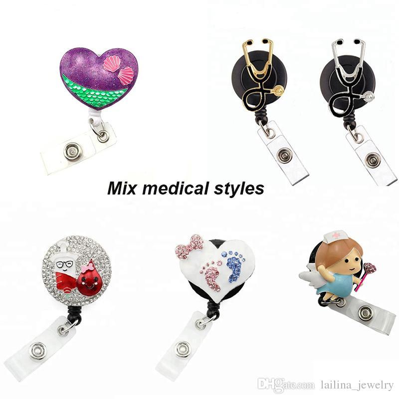 Frete Grátis Mixed Medical Styles Enfermeira Rhinestone Retrátil Pull Pull Carretel / ID Badge Nome Titular