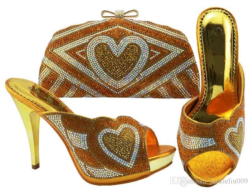 Venda quente de ouro mulheres bombas com coração padrão de strass saco para vestido africano sapatos jogo bolsa de combinação JZC005