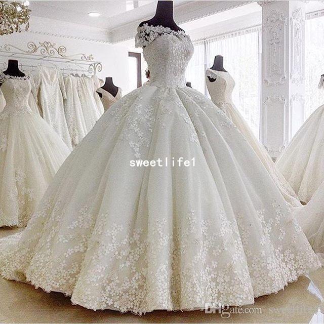 2019 robes de mariage de robe de bal magnifique de l'épaule en dentelle Appliques Dubai Style robe de mariée Custom Made White