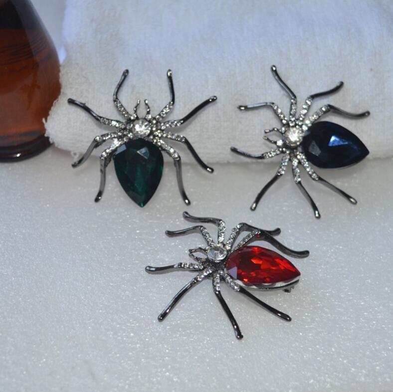 Broche de gemstone de aranha de estilo europeu e americano novo Broche de gemstone de broca de sexo feminino preto de alto grau