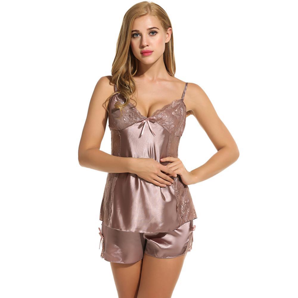 Sexy Sleepwear Kobiety Cloth Summer Shorts Piżamy Zestaw Sexy Satin Lingerie Nightgown Spaghetti Strap Seksowny Piżamy