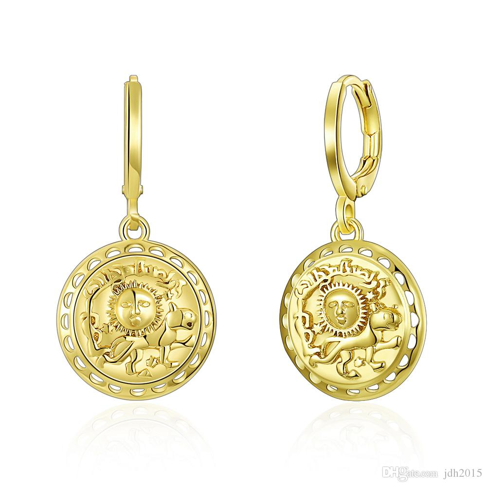 Retro Gold Circle Pendant Dangle Earrings with The Sun and Puppy Dog Artwork