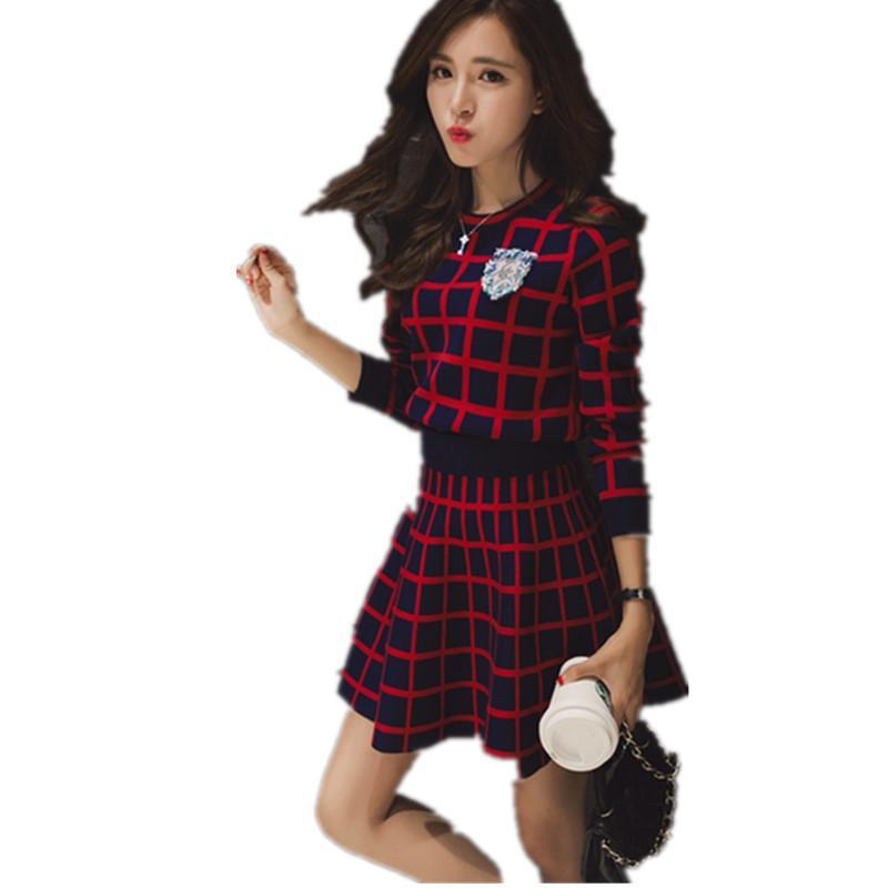 Nuovo lavorato a maglia a maniche lunghe tuta vestiti di pannello esterno Donne Runway Perle dolci maglione collo Bassiera A -Line Skirt insieme a due pezzi femminile